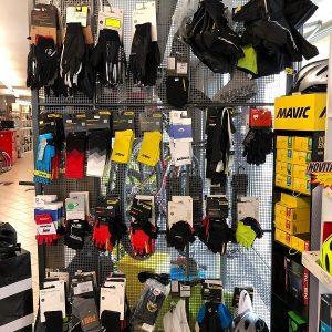 Calze e guanti per bici - Abbigliamento sportivo bici - RMC negozio di bici Villafranca Verona