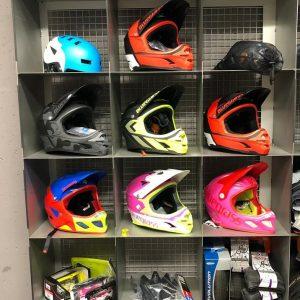 Caschi BMX integrali - Abbigliamento sportivo bici - RMC negozio di bici Villafranca Verona