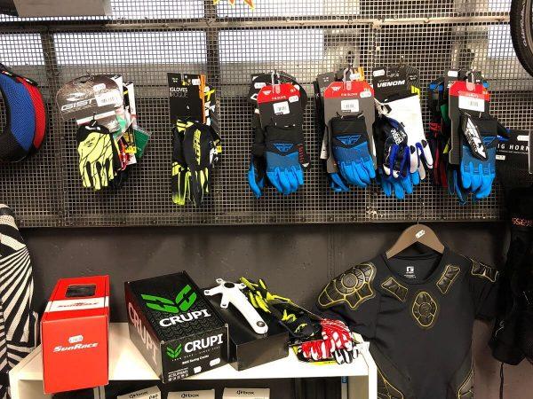 Guanti bambino BMX e MTB Mountain Bike - Abbigliamento sportivo bici - RMC negozio di bici Villafranca Verona