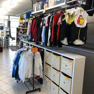 Spolverini e giacche - Abbigliamento sportivo bici - RMC negozio di bici Villafranca Verona