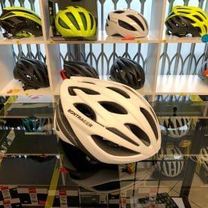 Bontrager Starvos Bianco MIPS. Casco per bici da strada. Caschi bici da corsa. RMC negozio di bici a Verona