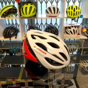 Bontrager Starvos Bianco Rosso. Casco per bici da strada. Caschi bici da corsa. RMC negozio di bici a Verona