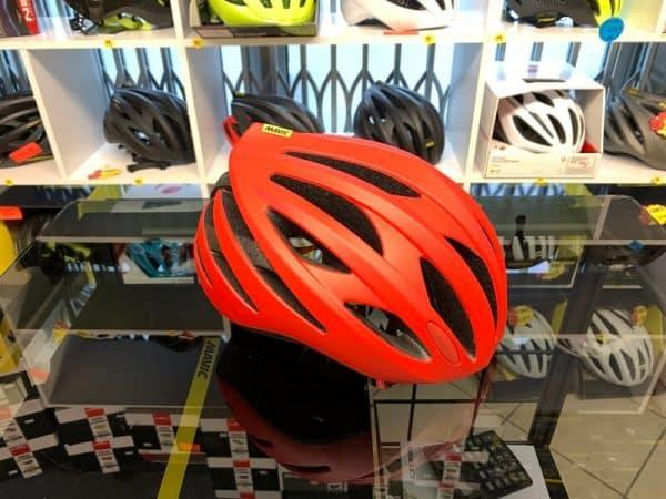 Mavic Aksium Elite Rosso. Casco bici da strada. Caschi bici da corsa. RMC negozio bici Verona