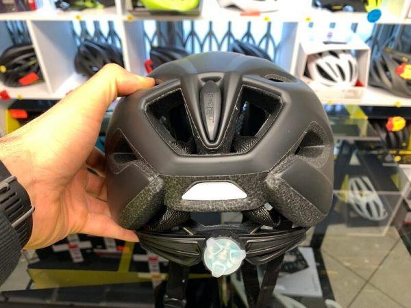 Met Crossover Nero con LUCE POSTERIORE- Casco MTB. Caschi bici Mountain Bike. RMC negozio biciclette Verona