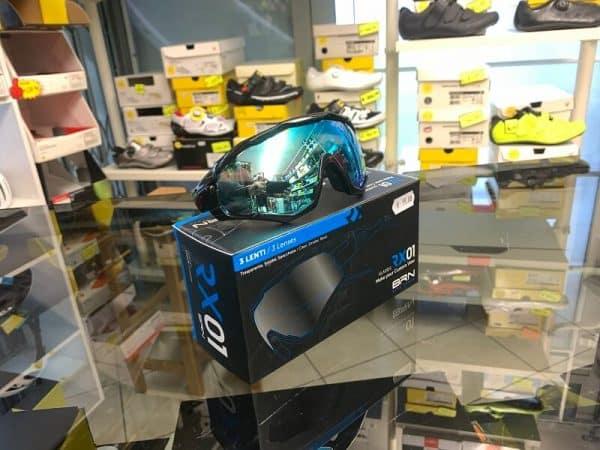Occhiale BRN nero blu - Accessori per andar in giro in bici. RMC negozio biciclette Verona