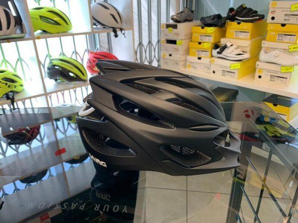 Casco Wag Nero e bianco. Casco MTB. Caschi bici Mountain Bike. RMC negozio biciclette Verona