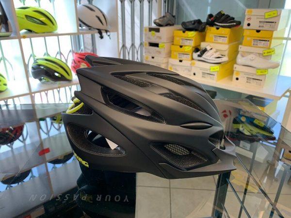 Casco Wag Nero e giallo. Casco MTB. Caschi bici Mountain Bike. RMC negozio biciclette Verona