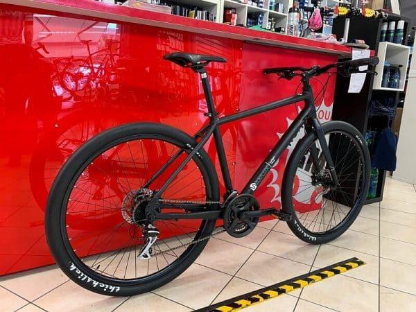 Mbm Ibrida Maxilux Equipaggiata. City bike Bici ibrida Verona. Bici città. RMC negozio di biciclette