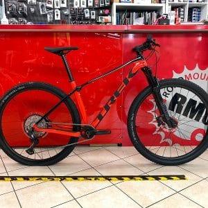 Trek Procaliber 9.6 nera e rossa 2021. Bicicletta MTB Mountain Bike Verona. RMC negozio bici Verona