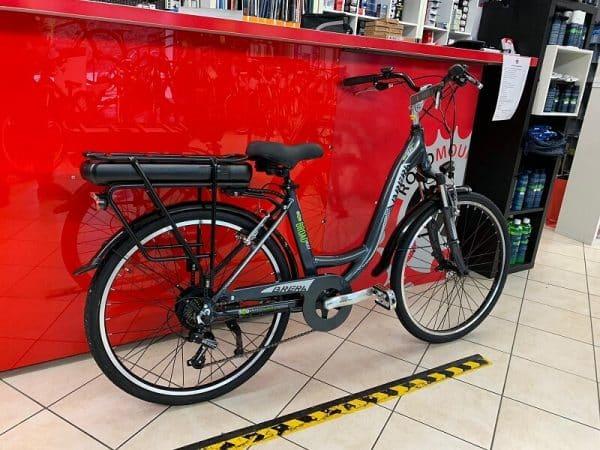 """City bike elettrica Brera 26"""". Bici elettrica bicicletta e-bike. RMC negozio di bici a Verona"""