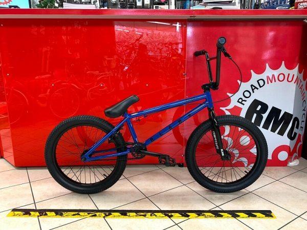 "Bmx Street 20"" blu. Bmx Street Verona. Bicicletta BMX Verona. RMC negozio di bici Verona"
