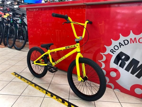 BMX Street GT gialla. Bici bmx street a Verona. RMC negozio di biciclette ragazzo a Verona