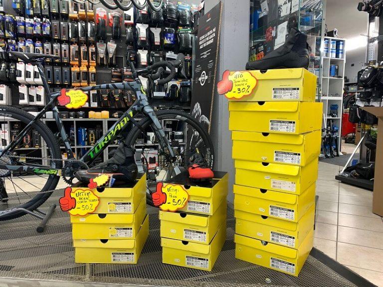 Mavic Invernali in SCONTO 50%. Abbigliamento bici a Verona. Scopri tutti gli sconti nel negozio RMC