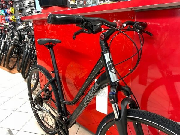 Brera Amsterdam Trekking donna nera. City Bike Verona. Bici per città. RMC negozio di biciclette