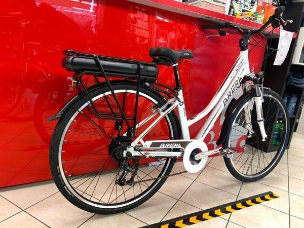 "Brera Elettrica donna 28"" bianca. Bici Elettrica Verona. E-bike bicicletta. RMC negozio bici Verona"