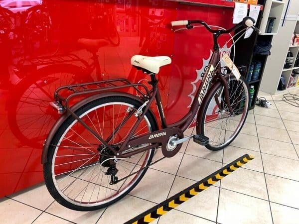 """Brera Meneghina 26"""" viola. City Bike donna a Verona. Bici per città. RMC negozio biciclette Verona"""