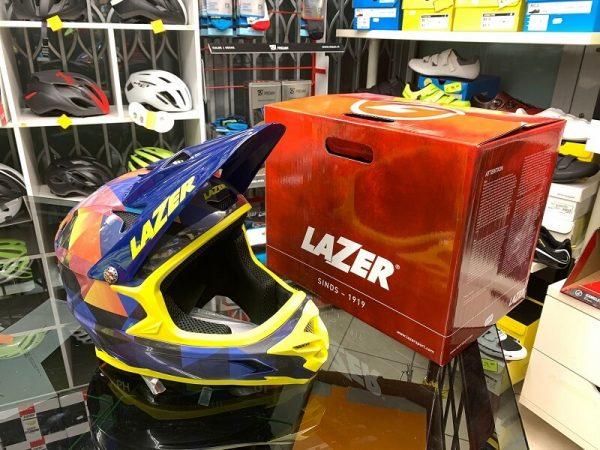 Casco LAZER Integrale giallo e blu. Casco BMX e MTB Downhill Verona. Accessori e protezioni bici