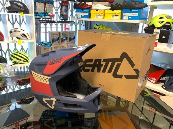 Casco LEATT integrale. Casco BMX e MTB DH Downhill Verona. Accessori e protezioni per bici