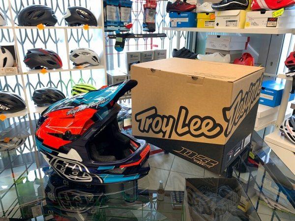 Casco Troy Lee Designs D3 rosso-blu. Casco BMX e MTB DH Downhill Verona. Accessori e protezioni bici
