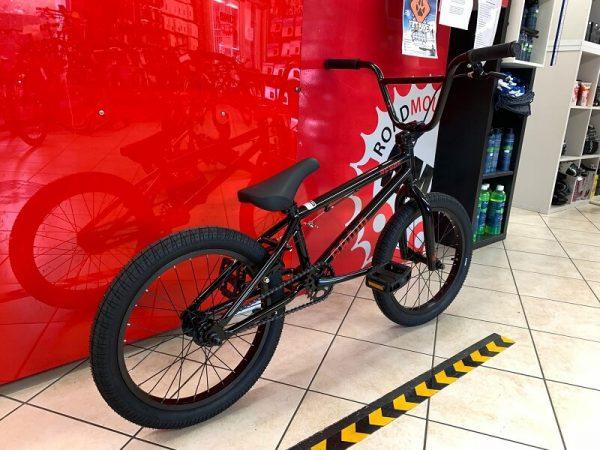 "RADIO BMX Revo 16"" nera. Bici bmx freestyle a Verona. RMC negozio biciclette street e dirt Verona"