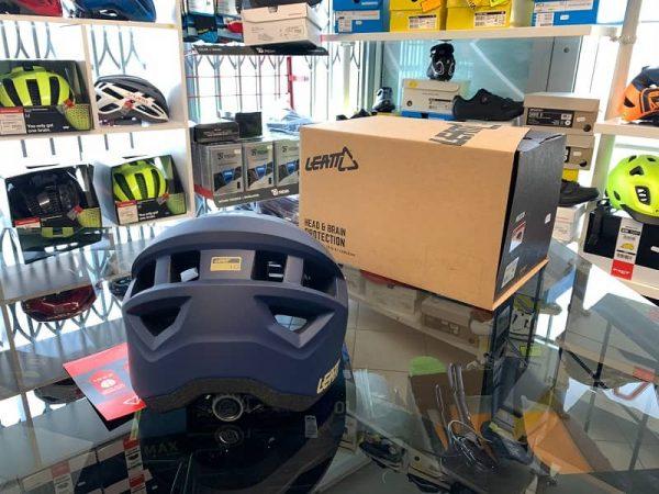 Casco Leatt 1.0 blu. Casco MTB Enduro Verona. Accessori e protezioni bici