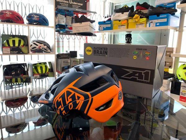 Casco Troy Lee Designs A1 MIPS Enduro. Casco MTB Enduro Verona. Accessori e protezioni bici