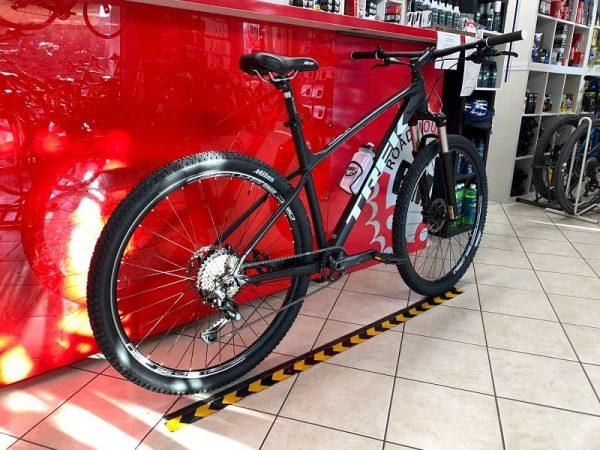 Trek Marlin personalizzata 3.0. MTB Mountain Bike Verona. RMC negozio di bici a Verona
