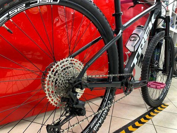Trek Marlin personalizzata 5.0. MTB Mountain Bike Verona. RMC negozio di bici a Verona