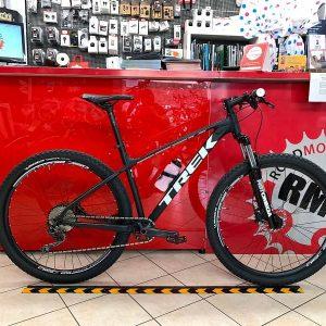 Trek Marlin personalizzata 6.0. MTB Mountain Bike Verona. RMC negozio di bici a Verona