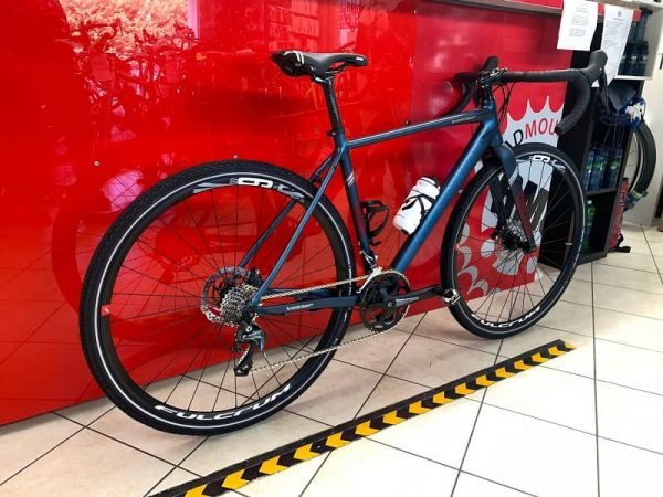 Gravel Montana Vektor. Bici da strada Verona. Bici da corsa - RMC negozio di biciclette a Verona