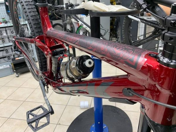 Protezione Telaio su misura Dyedbro. Accessori per bici Verona