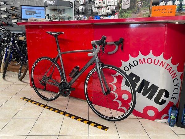 Bici da corsa Fondriest Carbonio 105 carbonio. Bicicletta da strada Verona