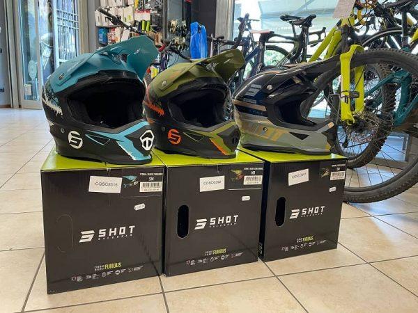 Caschi integrali SHOT per BMX e Downhill DH. Abbigliamento sportivo e protezioni